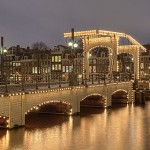 512px-Amsterdam_Magere_Brug