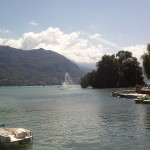 800px-Lake_Annecy